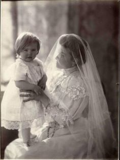 Mother and child. Early 1900s