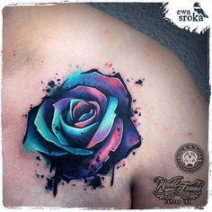This Rose tattoo is an absolute gorgeous piece of art! --- Unique Rose Tattoo by Ewa Sroka – Warsaw, Poland Diy Tattoo, Cover Tattoo, Piercing Tattoo, Get A Tattoo, Bicep Tattoo, Tie Dye Tattoo, Chest Tattoo Cover Up, Thigh Tattoo Men, Neck Tattoos