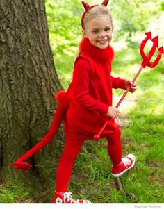 Little Devil - 60 Fun and Easy DIY Halloween Costumes Your Kids Will Love Easy Homemade Halloween Costumes, Diy Halloween Costumes For Kids, Diy Costumes, Halloween Party, Costume Ideas, Halloween 2017, Halloween Karneval, Fantasias Halloween, Halloween Disfraces