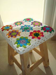 Use leftover scraps of yarn to Crochet Cross, Crochet Granny, Crochet Motif, Crochet Designs, Knit Crochet, Crochet Patterns, Crochet World, Crochet Home, Love Crochet