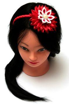 Red Kanzashi flower headband. Kanzashi. Kanzashi por FlosMollis