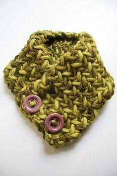 Ravelry: herringbone neckwarmer pattern by Breean Elyse Miller  (FREE PATTERN)