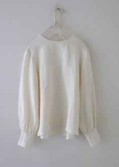 Retro Fashion, Women's Fashion, Pure White, Bell Sleeve Top, Pure Products, Chic, Natural, Tops, Dresses