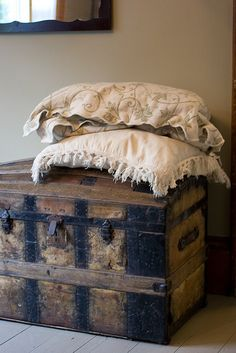 Vintage suitcases and traveling trunks have long been used for a more permanent method of storage. Get inspired with endless possibilities. Old Trunks, Vintage Trunks, Trunks And Chests, Antique Trunks, Antique Chest, Antique Boxes, Vintage Suitcases, Vintage Luggage, Vintage Items