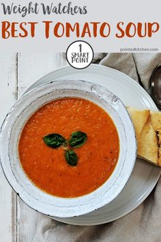 The perfect Weight Watchers lunch any time of the year! This tomato soup recipe is just 1 SmartPoint per portion on WW freestyle / flex plan. An easy, tasty and filling Weight Watchers lunch. Weight Watchers Tomato Soup Recipe, Weight Watchers Pasta, Weight Watchers Vegetarian, Weight Watchers Lunches, Weight Watchers Meal Plans, Tomato Soup Recipes, Weight Watchers Desserts, Healthy Soup Recipes, Ww Recipes