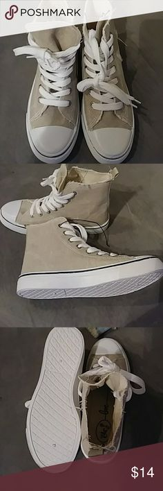 RUE 21 CONVERSE STYLE HIGH TOP SNEAKERS SIZE M New; never worn beige converse style sneakers designed by Rue 21. Size M (7/8) White trim w/ blue striped sole. Rue 21 Shoes Sneakers