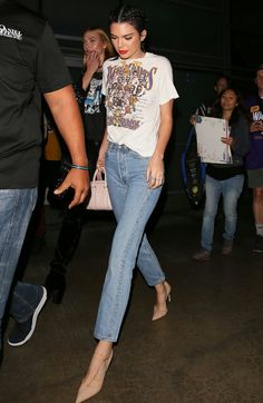 Kendall Jenner can make jeans and a graphic tee look so high fashion.