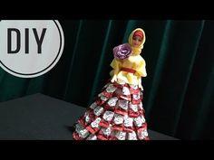 Dress Barbie, Candy Arrangements, Candy Dress, Candy Crafts, Diy Tutorial, Elsa, The Creator, Bouquet, Valentines