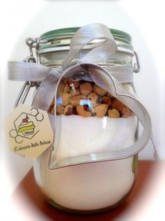 Cantucci in a Jar Diy Christmas Gifts, Christmas Time, Christmas Decorations, Xmas, Cheap Gifts, Jar Gifts, Diy Food, Little Gifts, Special Gifts