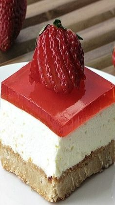 A crunchy nutty crust, a middle cheesecake like layer, and a top layer of Jello. Jello Cheesecake Pudding Recipe, Non Bake Cheesecake, Jello Pudding Recipes, Cheesecake Squares, Cheesecake Recipes, Fun Desserts, Delicious Desserts, Dessert Recipes, Yummy Food