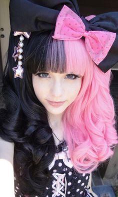 #black & #pink #dyed #scene #hair #pretty