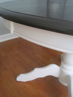 How to stain a dining room table. This table is gorgeous! I love the two toned look with the dark stain and white paint!