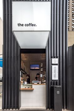 The Coffee Augusta – Arquitetura Comercial Cafe Shop Design, Coffee Shop Interior Design, Small Cafe Design, Kiosk Design, Coffee Design, Design Design, Modern Restaurant, Modern Cafe, Restaurant Interior Design