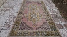 TURKİSH vintage oushak rug  Style : area Province : Oushak Made In : Turkey Foundation : cotton Pile : 100% Wool Colors : very nice color Size (inch) :