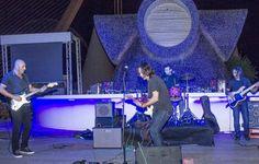 La sesión de Vino y Música programada por Proava para la noche del sábado en Valencia superó con creces los niveles de las ediciones precedentes en parte gracias a un cambio de fecha, pasando de viernes a sábado y convirtiéndose en una alternativa real de ocio para los jóvenes que quieren acercarse