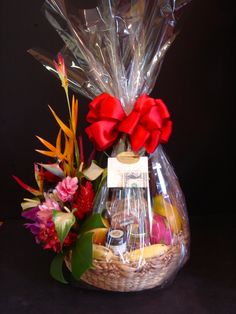 Tropical Splendor a very unique and popular Hawaiian gift basket with half of the basket carrying fresh exotic tropical arrangement, local seasonal fruit, Fruit Gifts, Candy Gifts, Large Christmas Baubles, Christmas Gifts, Christmas Decorations, Wedding Gift Wrapping, Wedding Gifts, Fruit Flower Basket, Monthsary Gift