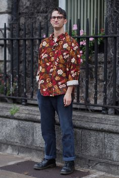 Dublin Festival Season - Dublin Street Style – Autumn Fashion in the Capital Love the space of the trousers with the floral shirt