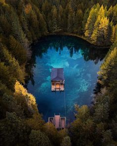 Floating cabin on Upper Peninsula, Michigan Lake Cabins, Upper Peninsula, Cabins In The Woods, Belle Photo, My Dream Home, The Great Outdoors, Places To Travel, Travel Destinations, Beautiful Places