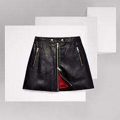 Tommy Hilfiger women's skirt. This leather skirt is a part of an exclusive…