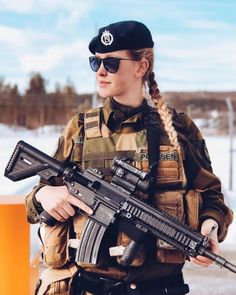 Heckler & Koch, Army Women, Lethal Weapon, Be The Boss, Boss Lady, Guns, Military, Female, Classic
