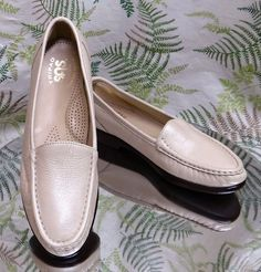 SAS BEIGE LEATHER LOAFERS SLIP ONS DRESS COMFORT WALKING SHOES USA WOMENS SZ 7 S #SAS #LoafersMoccasins #WeartoWork