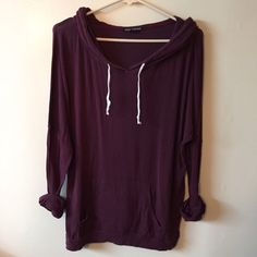 Brandy Melville one size hooded sweatshirt Good used cond Brandy Melville Sweaters