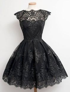 Fashionable Cap Sleeve Round Collar Lace A-Line Dress