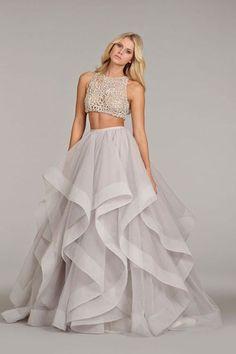 Los vestidos con crop top también son una #tendencia en #bodas. ¿Habrán llegado para quedarse? #trends #wedding