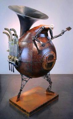 Greg Brotherton sculpture;  from afoquinha
