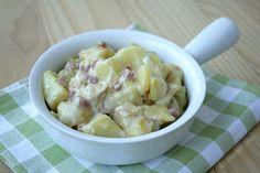 Patate cremose con stracchino, cipolla e prosciutto