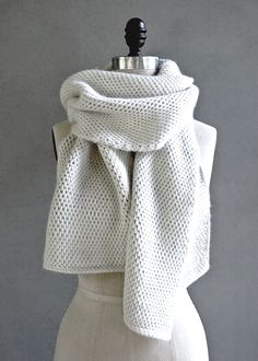 crochet saddle stitch tunisian crochet scarf pattern More -When you dive in with these Tunisian crochet patterns that we've compiled, learning them is fast and Easy Tunisian Crochet Patterns Beginners Can Actually Master Tunisian Crochet Blanket, Tunisian Crochet Patterns, Crochet Shawl, Knitting Patterns, Crochet Pattern Free, Crochet Gratis, Loom Scarf, Crochet Basics, Crochet Scarf For Beginners