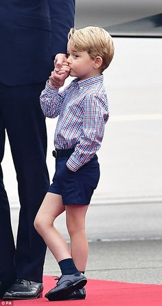 Keep up with every sartorial step taken by the Duke and Duchess of Cambridge and their two children, Prince George and Princess Charlotte, as they travel to Poland and Germany on a five-day tour Prince William And Catherine, Prince William And Kate, Lady Diana, Duke And Duchess, Duchess Of Cambridge, Prince William Family, Prinz William, William William, Princesa Kate Middleton