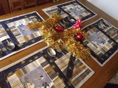 Vánoční+prostírání+prostírání+je+šité+technikou+Patchwork+kvalitní+bavlněné+látky+vyztužené+ranolinem+praní+na+30+napařovat+ano+žehlit+na+bavlnu+velikost+32x46+cm+160+kč+kus