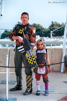 Best dad ever!  San Diego Comic Con | Borderlands 2 Axton and Tiny Tina