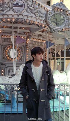 Save = Follow Trân Kawaii♥ Korean Boys Ulzzang, Ulzzang Boy, Korean Girl, Chinese Babies, Chinese Boy, Pelo Guay, Song Wei Long, Cute Actors, Asian Boys