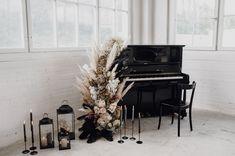black piano wedding decor Piano Wedding, Wedding Chairs, Wedding Reception, Reception Ideas, Bridal Looks, Bridal Style, Black Piano, Table Top Design, Bright Rooms