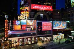 Não perca a oportunidade de ficar hospedado no magnífico Hotel Crowne Plaza Times Square em New York. A viagem para Nova York é para muitos considerada uma viagem de sonho. Se está a planear uma viagem para magnífica cidade de New York, não perca a oportunidade de ficar hospedado numa das melhores zonas da cidade: