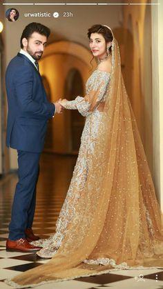 Ideas indian bridal photography pakistan for 2019 Dulhan Dress, Walima Dress, Pakistani Wedding Dresses, Indian Dresses, Desi Wedding, Wedding Attire, Pakistan Wedding, Bridal Photography, Bridal Outfits