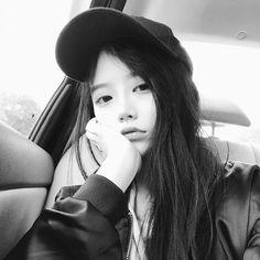 Instagram post by @mmyyyxx • Oct 17, 2017 at 11:20am UTC China Girl, Cute Korean Girl, Grunge Girl, Ulzzang Girl, More Photos, Idol, Instagram Posts, Pretty, Hair