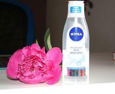 Pielęgnujący płyn micelarny Nivea przeznaczony do cery normalnej i mieszanej, dobrze zmywa makijaż i pięknie odświeża skórę.