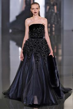 #RalphRusso, Haute Couture Fall 2014 http://infurmag.com/collections-2/2013-2014/haute-cuture/fall-2014/ralph-russo/