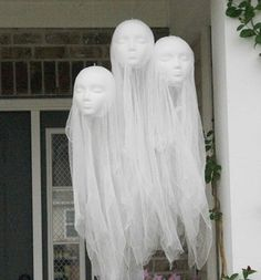 25 The Most Creepy Halloween Decoration for Front Yard Halloween Outside, Halloween Porch, Holidays Halloween, Halloween 2020, Halloween Halloween, Easy Halloween Decorations, Halloween Party Decor, Diy Halloween Tombstones, Scary Diy Halloween Costumes