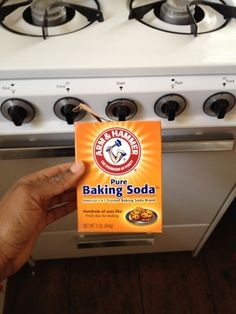 Olivia Cleans Green: How to Clean Your Oven with Baking Soda