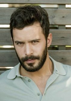Barış Arduç ile Elçin Sangu'dan ortak röportaj! Newspaper Photo, Brunette Bob, Workout Routines For Beginners, Elcin Sangu, Boy Photography Poses, Turkish Fashion, Hot Actors, Turkish Actors, Turkish Men