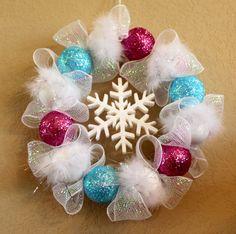 Smoothfoam Frosty Wreath Tutorial #HandmadeHolidays