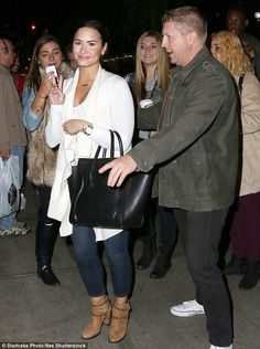 Demi Lovato suffers a slight makeup malfunction on New York night out | Daily Mail Online