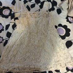 Creme lace loose tank top Lace creme color tank top size M Tops Tank Tops