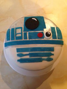 R2D2 cake                                                                                                                                                     Más