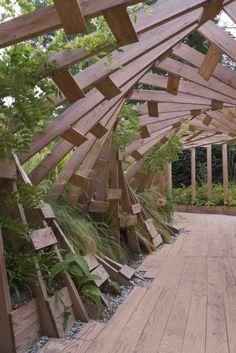Interesting woodwork and walkway at the 2013 International Garden Festival at Chaumont sur-Loire, France. Garden Architecture, Architecture Design, Formal Garden Design, Shade Structure, Covered Pergola, Beer Garden, Garden Inspiration, Exterior Design, Landscape Design
