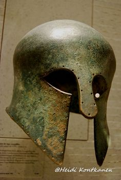 Corinthian helmet  The development of the shell, the cover of cheeks and thickening of the metal are characteristic of the evolution of the type in the first half of the sixth century BC The cutting, the helmet holes was used for fixing an inner lining that has disappeared. First quarter of the sixth century BC Br 4491   Louvre Museum